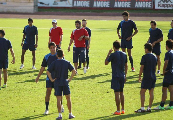 Los jugadores Atlante durante sus entrenamientos. (Ángel Mazariego/SIPSE)