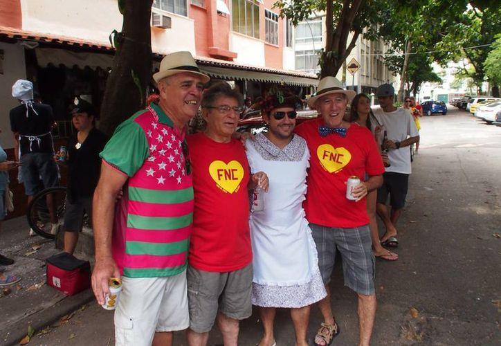En el más reciente Carnaval de Brasil, muchas personas se disfrazaron como los personajes de Chespirito, que será homenajeado este jueves durante la entrega de 'Premio Lo Nuestro'. en Miami. (Notimex)