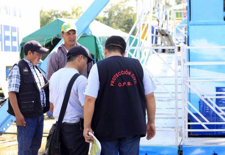 Un grupo de inspectores continuará monitoreando las áreas de la feria. (Harold Alcocer/SIPSE)