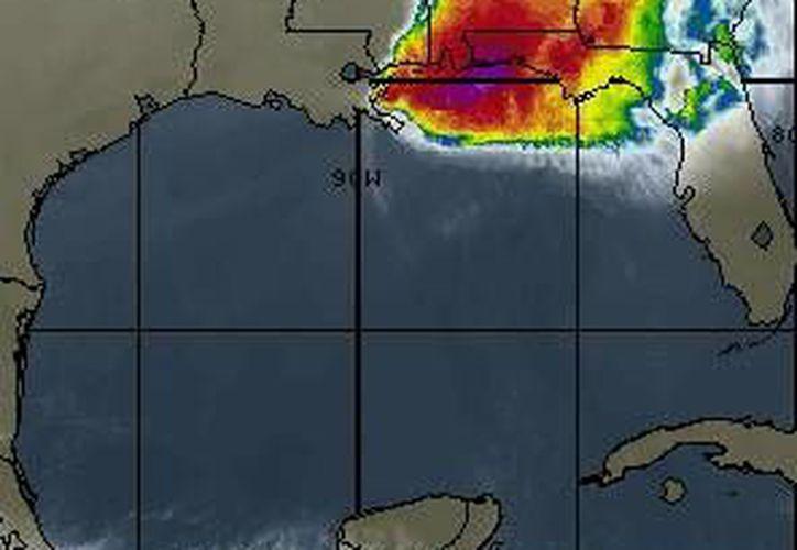Las lluvias serán ocasionadas por canales de baja presión extendidos sobre el centro, el oriente y el sureste de México. (www.wsi.com)