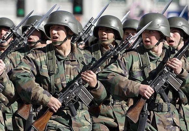 En el caso de las Fuerzas Armadas obligaría además a modificar, entre otras cosas, los aspectos previsionales internos para quienes opten por suscribir este convenio.(centinela66.files.wordpress.com)