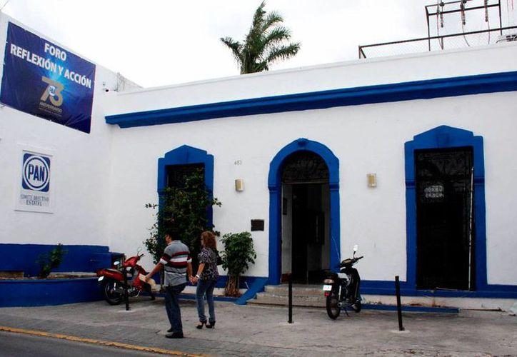 El PAN de Yucatán echará mano de un 'recurso' que mucho ha criticado a sus contrincantes, especialmente el PRI: el dedazo. Designará así a 50 candidatos. La imagen es de la sede del partido, ubicada en Mérida, y está utilizada como contexto. (Milenio Novedades)