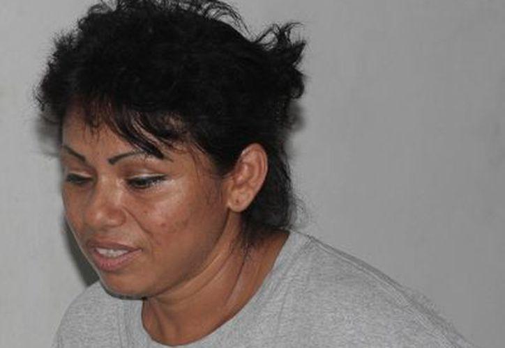 Sara Basto Ávila fue sorprendida intentando introducir un teléfono celular a la prisión. (Julián Miranda/SIPSE)
