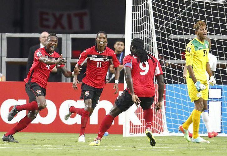 Trinidad y Tobago enfrentará a México el próximo miércoles para definir al líder del grupo. (Foto: AP)
