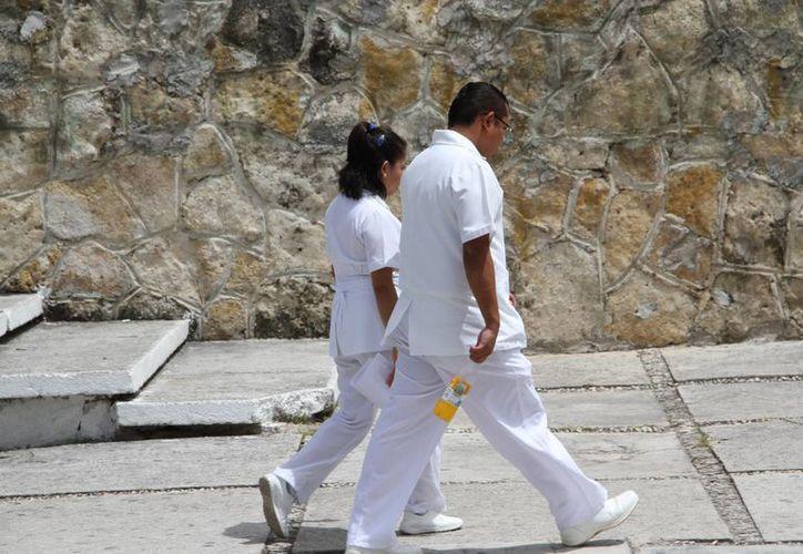 Los médicos marcharán en la avenida Bonampak de Cancún. (Tomás Álvarez/SIPSE)