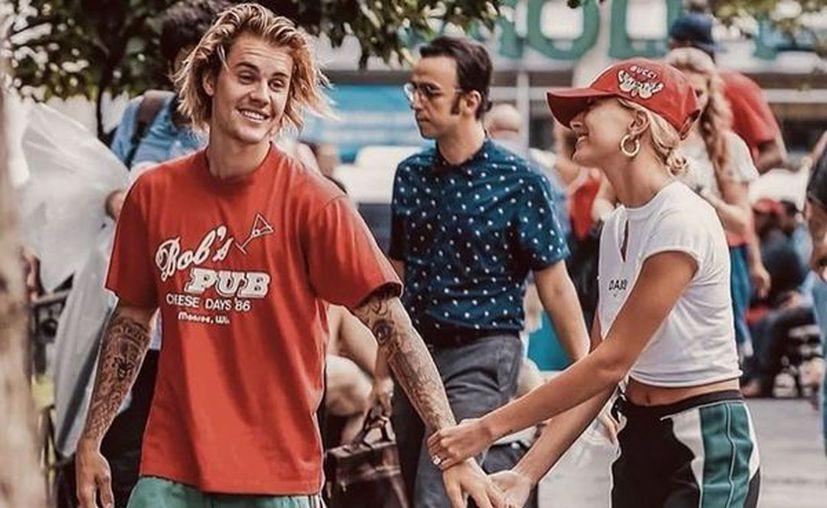 Bieber sabe encantar a sus romances. Su principal arma es la música. Ellas caen rendidas. (Foto de instagram @justinbieber)