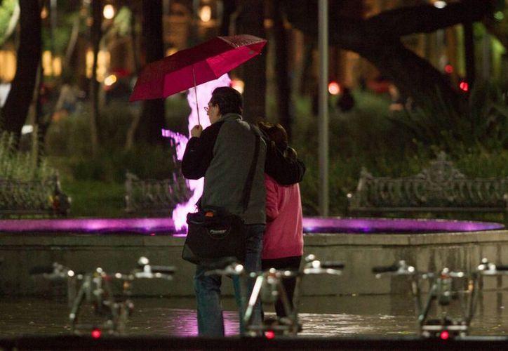 El frente frío 30 y la tormenta invernal en el norte causarán lluvias fuertes en entidades como Chihuahua, Coahuila y Nuevo León. (Archivo/Notimex)