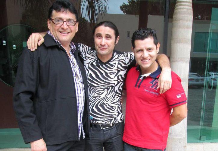 Hernán Novelo, Ricardo del Río e Ismel Salazar unen de nueva cuenta su talento para divertir al público de la Feria Yucatán.