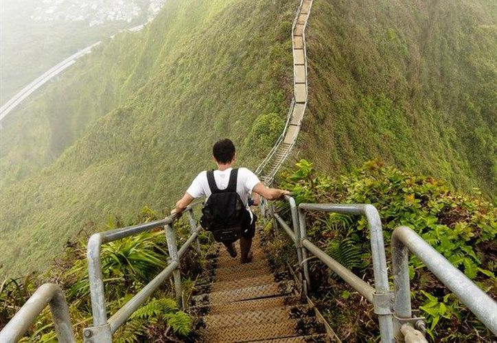Varias organizaciones, como Friends of Haiku Stairs, se han ofrecido a evaluar los daños de las escaleras. (FLICKR)