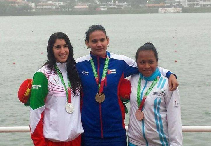 Marisela Montemayor obtuvo el tercer puesto en la categoría 200 metros. (Foto: Twitter @JVeracruz2014)