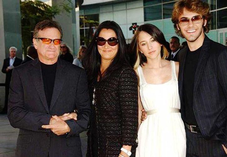 Robin Williams y su familia. (Especial/Milenio)