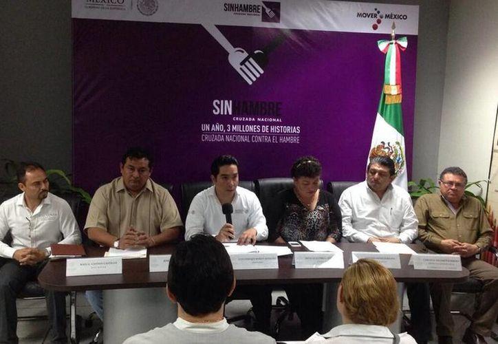 Presentación de los detalles de las actividades en la Sala de Juntas de la Delegación de Sedesol. (@luis_borjas)