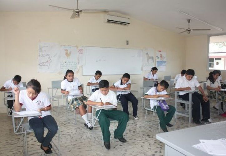 En la Olimpiada participaron estudiantes de Izamal, Temax, Dzoncauich y otros municipios. (SIPSE)