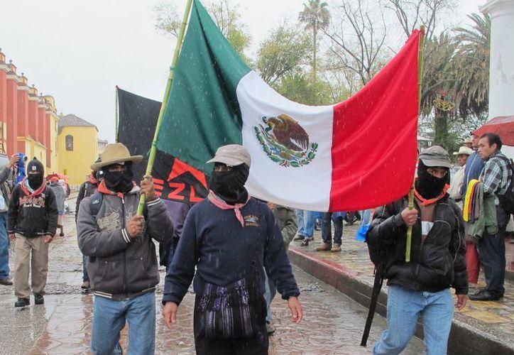 Integrantes del EZLN se manifestaron en las cuatro ciudades en las que aparecieron el 1 de enero de 1994. (Notimex)