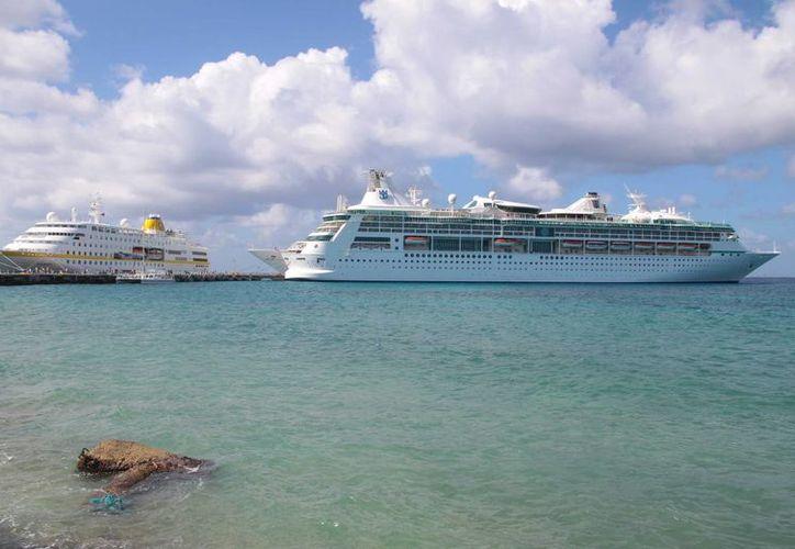 La próxima semana Cozumel recibirá a más de 88 mil turistas de crucero, según datos de la Apiqroo. (Gustavo Villegas/SIPSE)