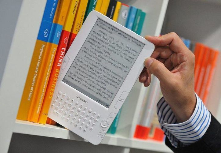 El Ebook es una nueva forma de leer y en internet existen sitios gratuitos y legales que ponen a nuestra disposición varios títulos. (Archivo/ EFE)