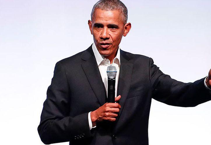 A Obama se le enviará un cheque por 17,20 dólares, aunque su portavoz anunció que el expresidente devolverá el dinero al condado de Cook. (RT)