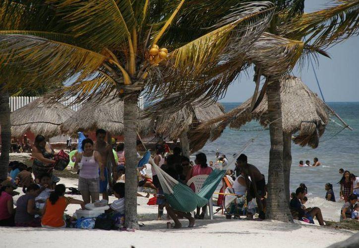 Esperan incremento del turismo nacional en Cancún. (Israel Leal/SIPSE)