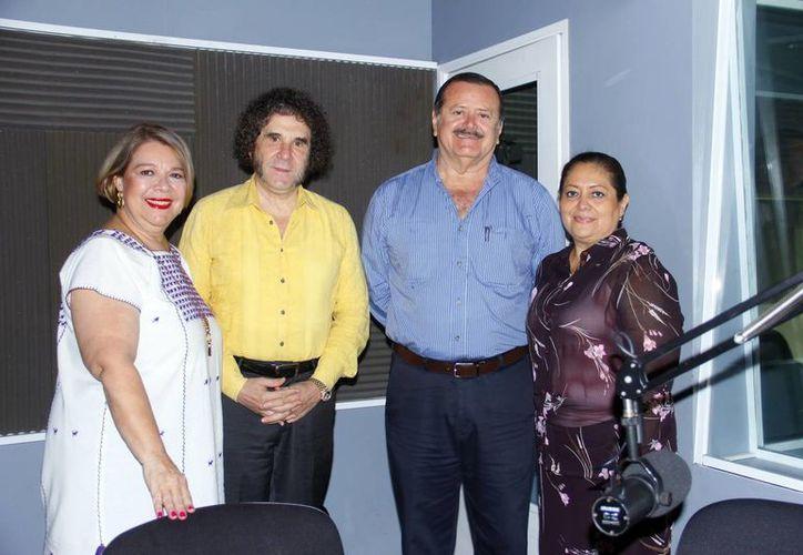 """Conductores e invitados a """"Salvemos Una Vida"""". (Juan Albornoz/SIPSE)"""