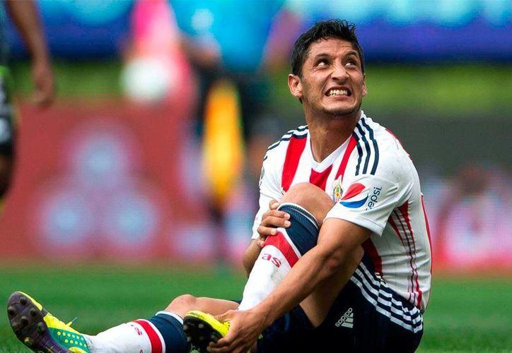 El futbolista Ángel Reyna dio a conocer los conflictos que tuvo con los hermanos De la Torre, durante sus estancia en Chivas.(Notimex)