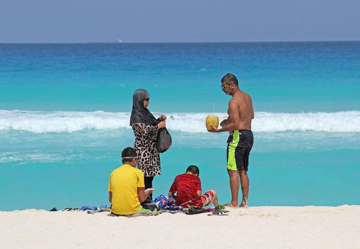 Los turistas serán protegidos parta evitar que sufran malas experiencias en su visita a Cancún. (Jesús Tijerina/SIPSE)