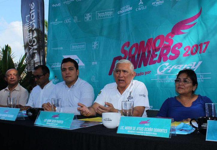 Este viernes se presentó a los medios la 4a edición de la carrera Somos Runners, sólo para mujeres, en la que, además de los premios para los ganadores, habrá rifas para los participantes. (Milenio Novedades)