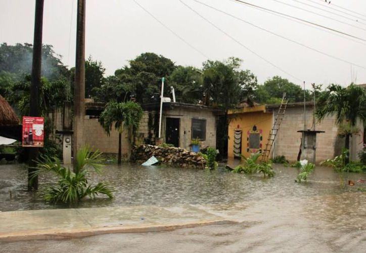 La información sobre algún fenómeno meteorológico, se podrá consultar en Protección Civil. (Foto: Contexto/SIPSE)