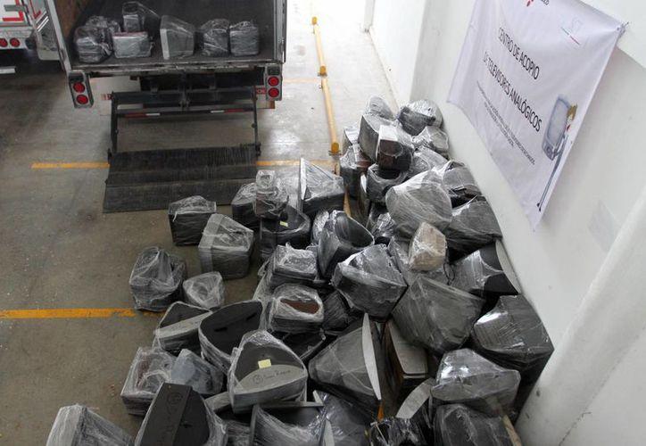 Yucatán se deshizo adecuadamente de un cuarto de tonelada de plomo y otros químicos peligrosos contenidos en televisores analógicos. (Milenio Novedades)