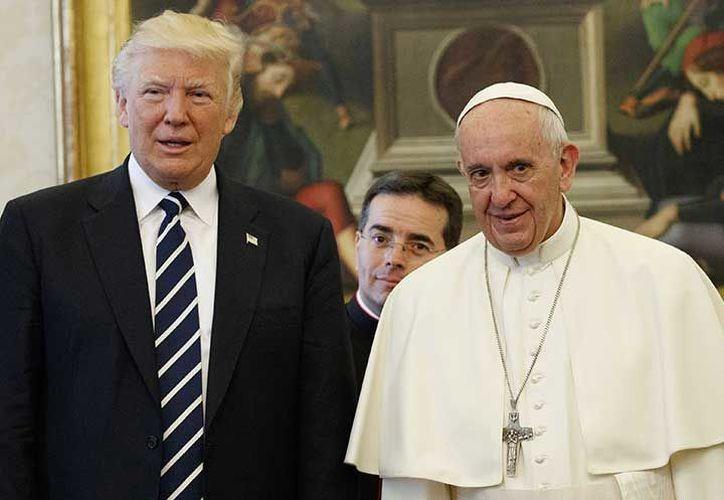Trump y el primer pontífice de origen latinoamericano defienden modelos económicos y sociales opuestos.  (Excelsior)
