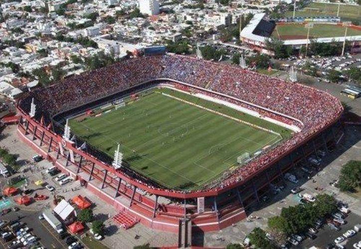El estadio Luis 'Pirata' Fuentes fue casa de la 'cascarita' de tiburones Rojos. (encuentroinformativo.com)