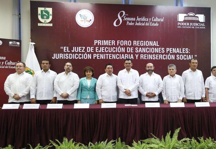Inauguración de la octava edición de la Semana Jurídica y Cultural del Poder Judicial del Estado. (SIPSE)