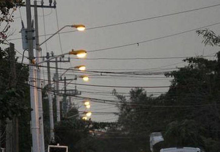 El Ayuntamiento pagó la realización de los planos de electrificación de la colonia. (Cortesía/SIPSE)