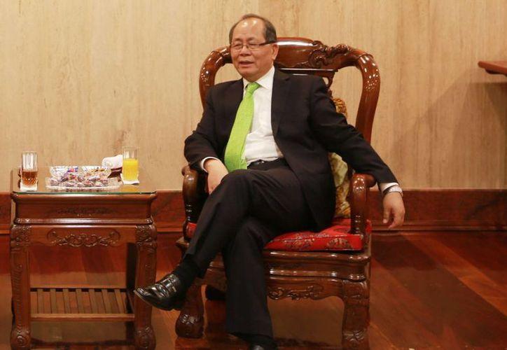 El embajador de China en México, Qiu Xiaoqi, aseguró que su país y México están en su mejor momento histórico y señaló que ante las amenazas del presidente electo de EU, China será el mejor aliado de los mexicanos. (mx.china-embassy.org)