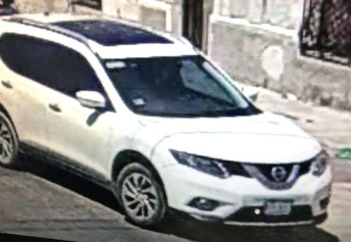 En este vehículo intentaron escapar los presuntos asesinos. (Archivo)