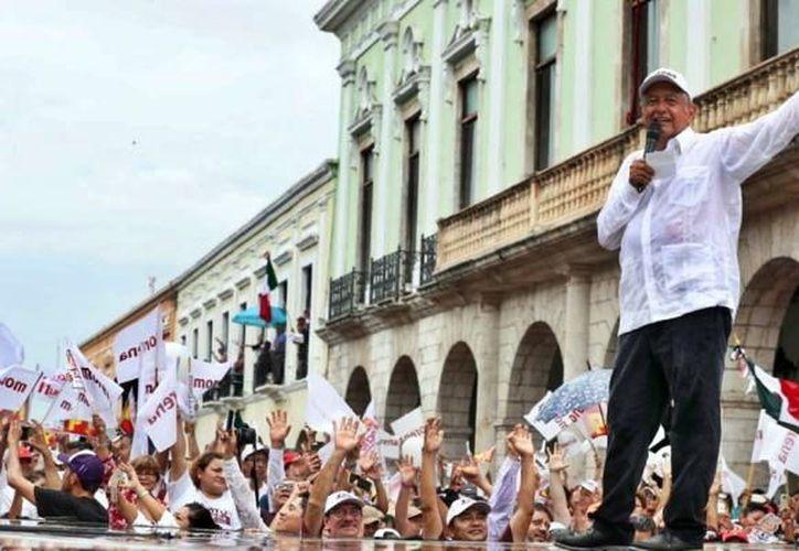 El ahora presidente electo cerró campaña para las elecciones en la Plaza Grande de Mérida. (Agencias)
