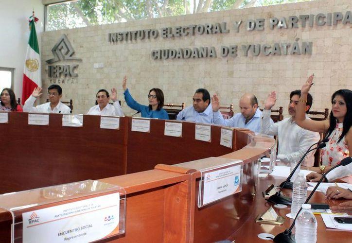 De los 24 mpd en multas aplicados en los últimos 5 años a partidos políticos en Yucatán, casi la mitad han sido hacia el PAN, con 10 mdp. (SIPSE)
