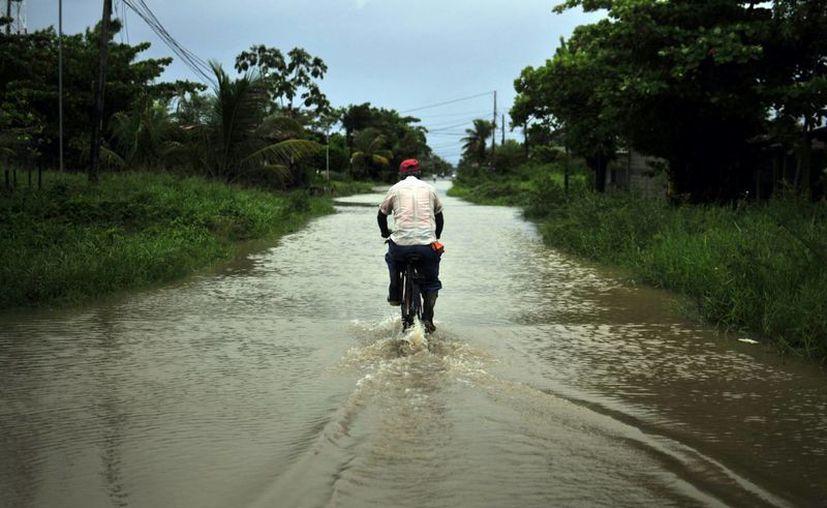 'Earl' ha causado lluvias intensas en los estados del sur de México, así como en Belice y Guatemala. (EFE)