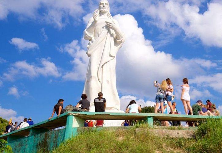 Jilda Madera esculpió la obra en Italia, donde las piezas fueron bendecidas por el Papa Pío XII antes de su traslado a Cuba. (Foto: Contexto/Internet)