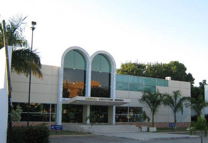 La Canaco fue sede de los cursos para empresarios del ramo turístico.(canacomerida.com.mx)