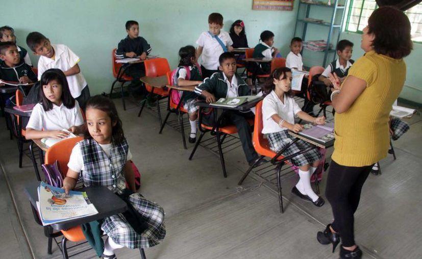 Las escuelas que estén habilitadas como albergues no reanudarán labores. (Archivo/Notimex)