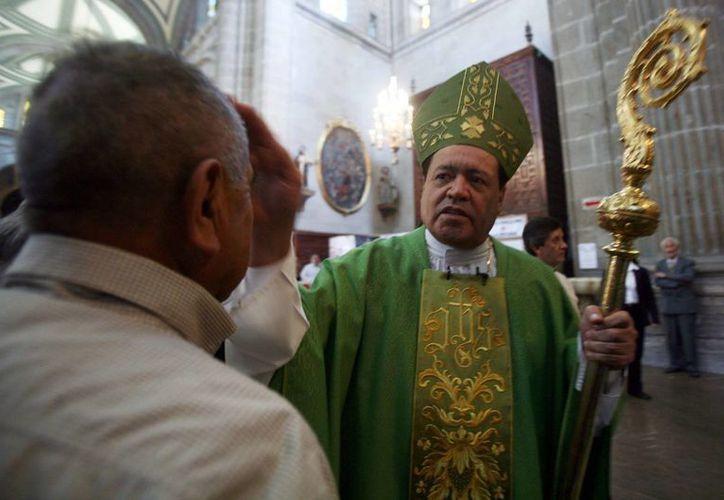 Como parte de los festejos de la Semana Santa, el cardenal Norberto Rivera bendijo los óleos y realizó el nombramiento de cinco nuevos canónigos. (proceso.com.mx/Foto de archivo)