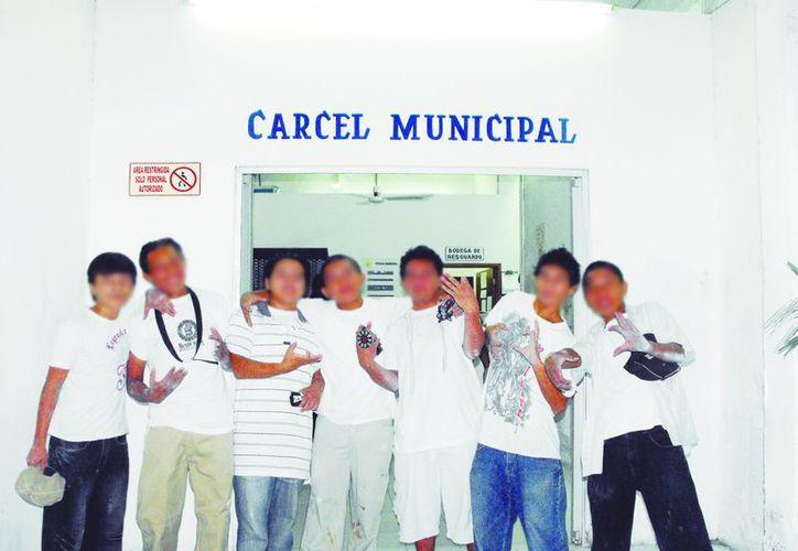 El problema del abandono escolar de jóvenes yucatecos que viven en las nuevas zonas urbanas de Mérida es un reto para las autoridades. (SIPSE)