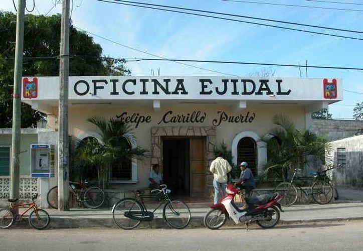 Los ejidatarios de la zona rural de Carrillo Puerto afirman que la SCT se encuentra amparada de las demandas que pudiera recibir. (Manuel Salazar/SIPSE)
