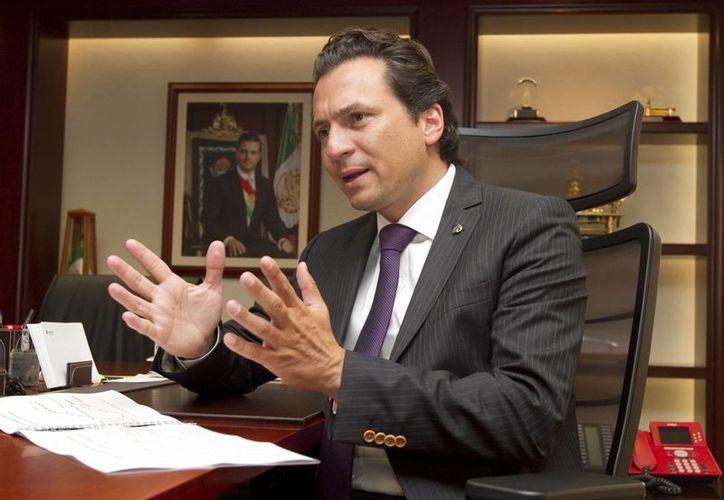 Lozoya indicó que Pemex busca compartir con particulares los riesgos de exploración y producción. (Notimex)