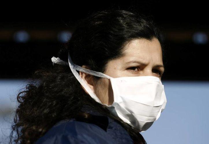 Autoridades sanitarias de todo el mundo se mantienen el alerta por la nueva variante viral. (Archivo EFE)