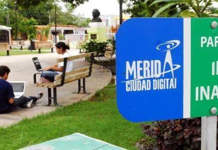 Desde 2007 Mérida fue pionera en dar servicio de internet inalámbrico gratuito en parques. (Agencias)