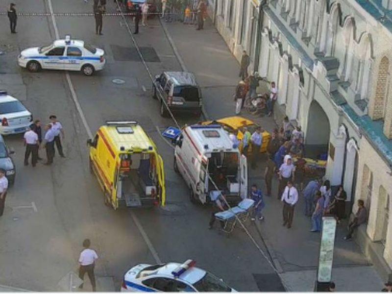Taxista que atropelló a varias personas en Moscú, entre ellas dos mexicanas, recibió pena de prisión preventiva (Foto: Twitter)