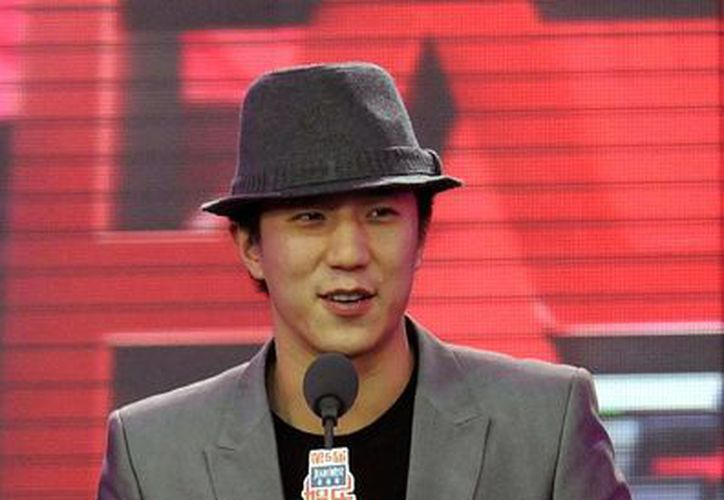 El actor Jaycee Chan será procesado por promover el consumo de drogas, delito por el que está detenido desde hace 4 meses. La imagen es de archivo y corresponde  a una ceremonia de entrega de premio a la industria del entretenimiento de China. (AP)