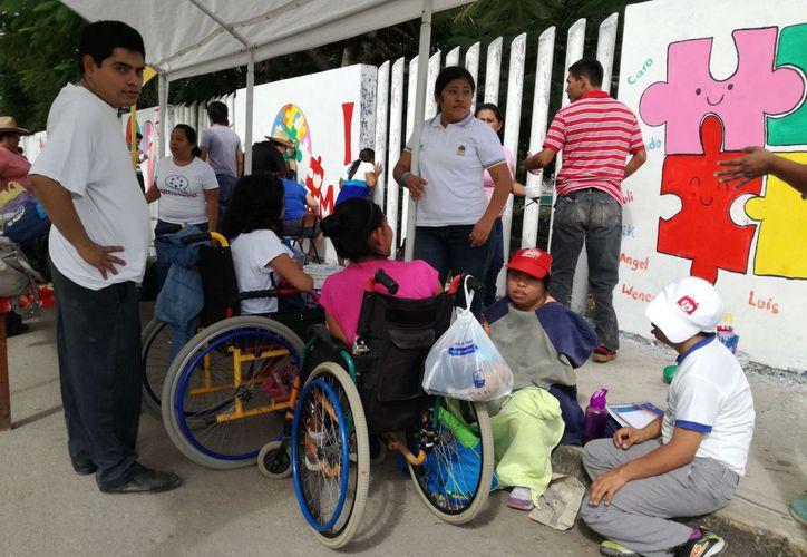 La falta de cultura y el crecimiento de la ciudad, Afecta a más de 200 personas con discapacidades. (Jesús Caamal/SIPSE)