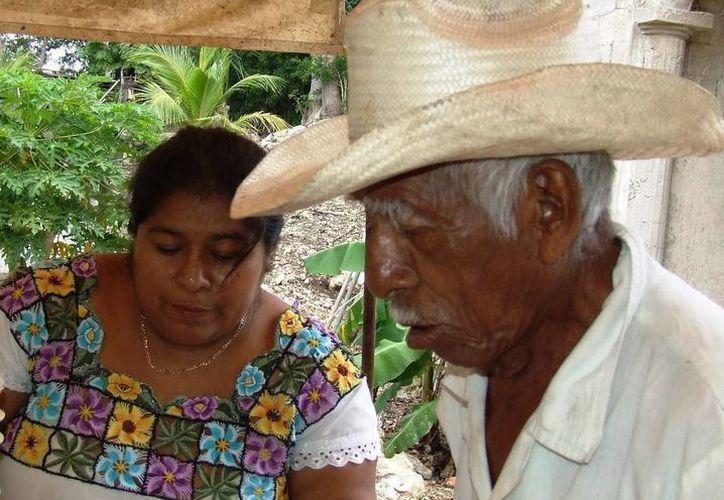 Los adultos mayores cada vez son más relegados en la sociedad tulumnense, acusa un ex regidor. (Rossy López/SIPSE)